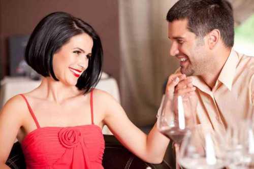 Не удивляйся, что вскоре после увлекательного периода ухаживаний, выяснится, что жена его уже не так уж плоха, а ты стала приятным утешением после супружеской ссоры