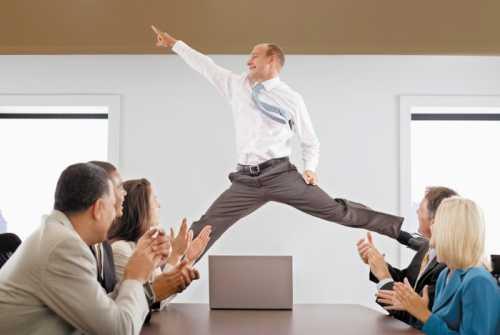 Это может быть трудно сделать, особенно на фоне первоначальной боли от увольнения