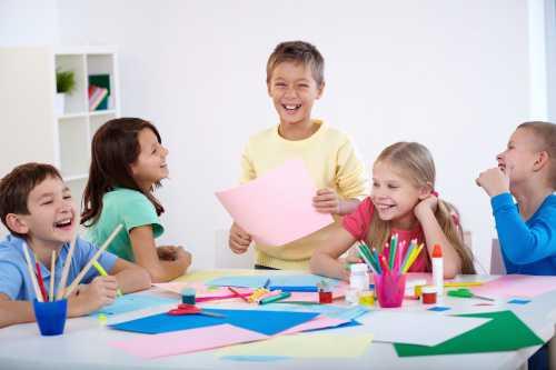 Программа изучения английского языка базируется на базе учебников издательства и и рассчитана на три годичных курса