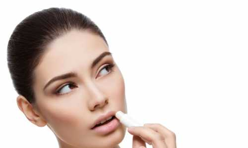 Как использовать вазелин в косметике: 5 проверенных способов