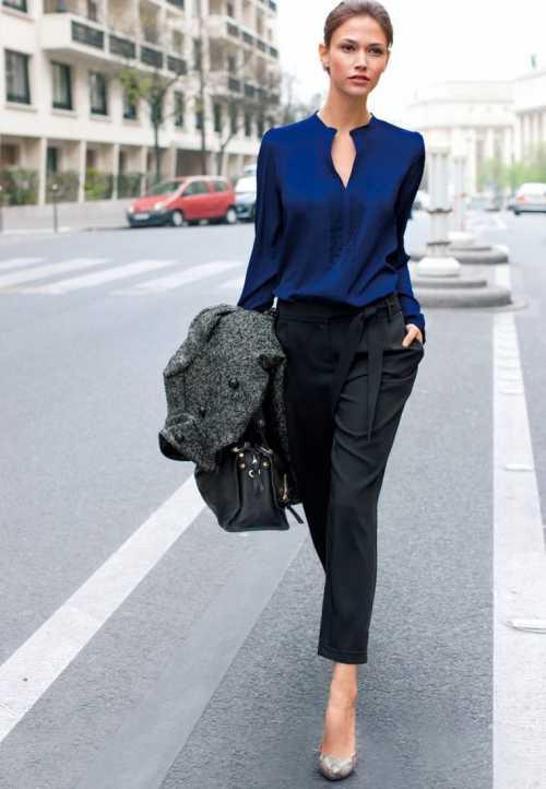 Женщине в лет рекомендуется выбирать одежду и обувь хорошего качества, из дорогих материалов