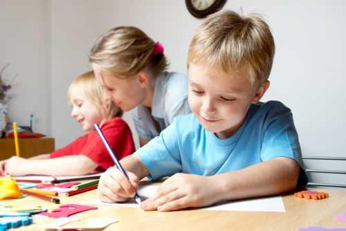 Подробнее о том, как подготовить ребенка к жизни в школьном коллективе читайте в статье
