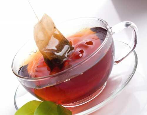 А при заваривании пакетированного чая дешевых марок каждый из нас делает это столько раз, сколько раз пьёт чай