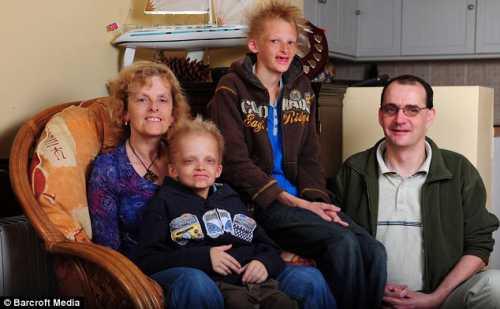 Чаще всего родители ставят в положение виноватого детей уже за сам факт рождения и ту родительскую любовь и заботу, которую они отдали