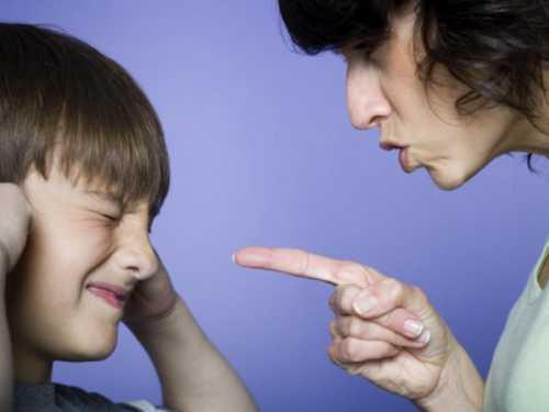 Как результат, повзрослев, они игнорируют собственные желания, испытывают комплекс жертвы, недооценивают себя