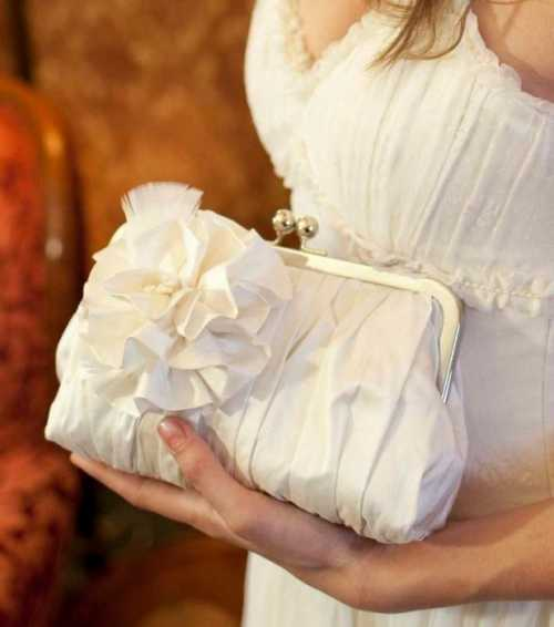 Свадебная сумочка для невесты Какие они бывают и как ее выбрать
