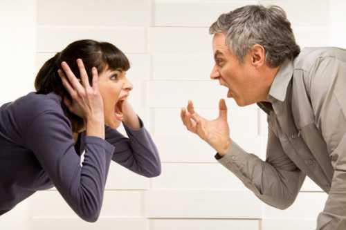 Такая позиция слушания вполуха всегда приводит к потере важной информации и росту взаимного непонимания