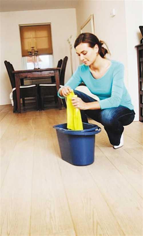 Уборка в доме Мытье полов