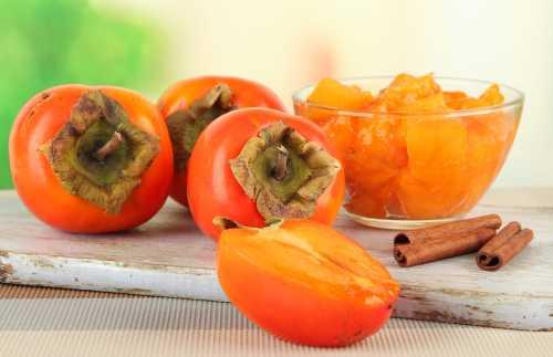 А кроме того, этот фрукт поможет справиться с запорами, так как содержит насыщенные жирные кислоты и на состоит из воды