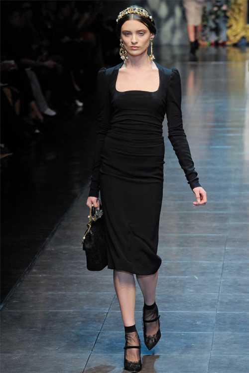 Мода 2012: женщина в черном фото