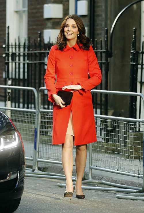 Королевское перевоплощение: Кейт Миддлтон кардинально сменила имидж фото