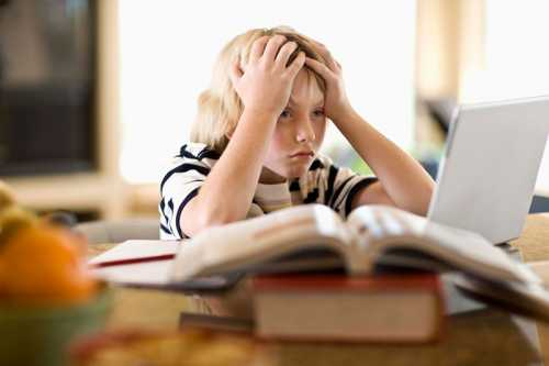 Это необходимо для того, чтобы ранний подъем первого сентября не стал для ребенка стрессом