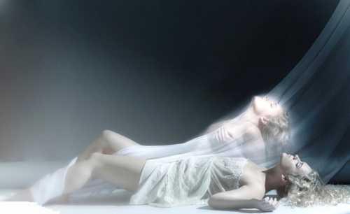 Белые камни на темном одеяле женские судьбы