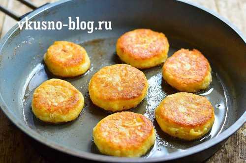 Детские рецепты Готовим сырники с морковью для детей